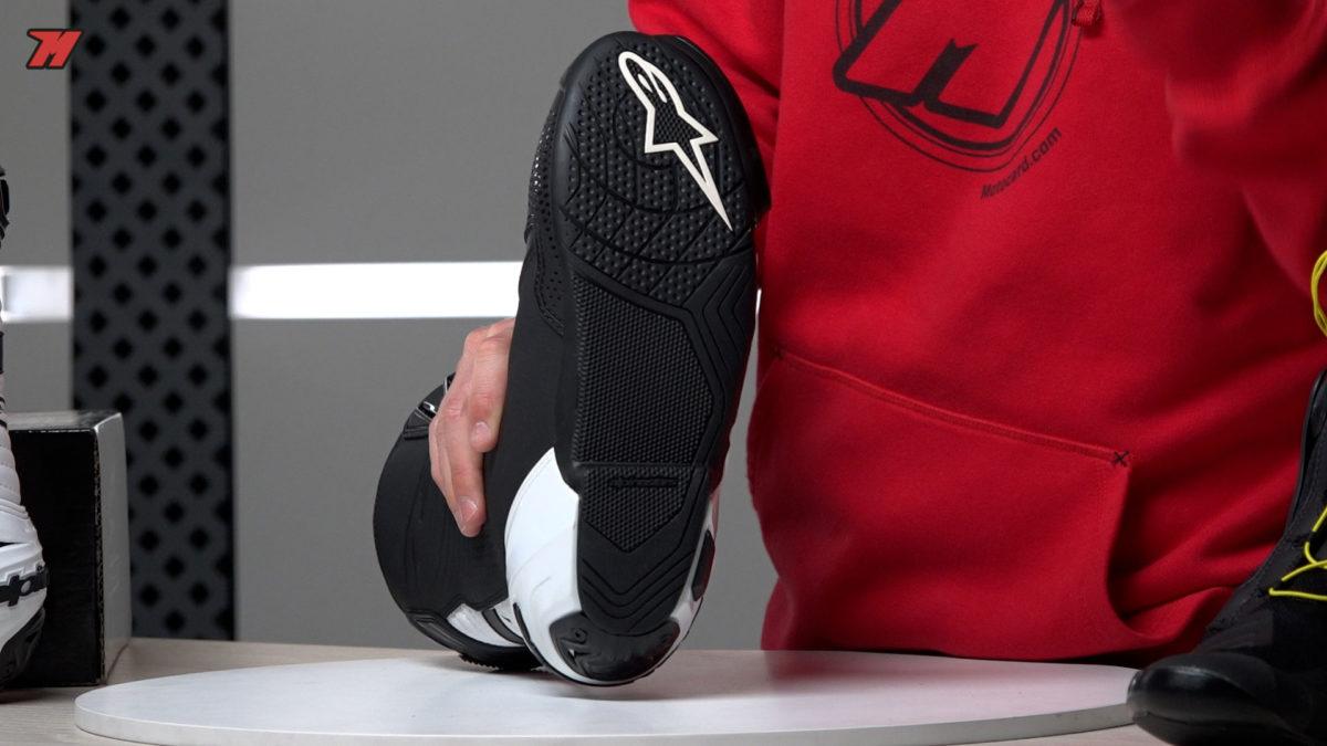 La suela de las botas Alpinestars Supertech-R permite un buen agarre