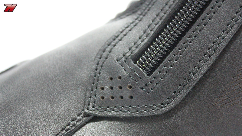 Review: Dainese Latemar, premium touring boots · Motocard