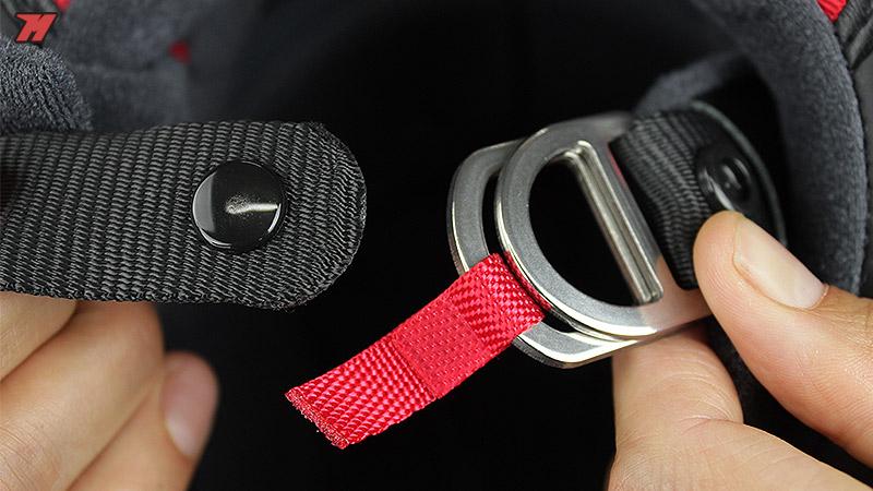 El cierre de doble anilla es el único permitido en circuito