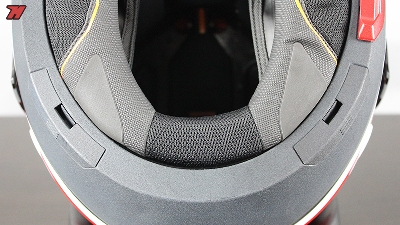 review preview of the new schuberth c4 motocard. Black Bedroom Furniture Sets. Home Design Ideas