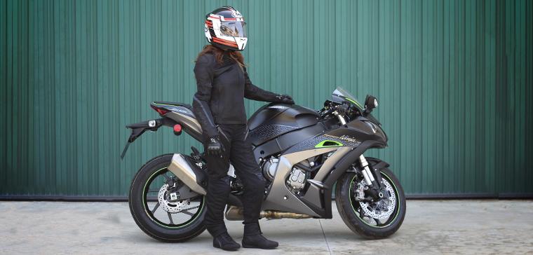 equipación moto para chica