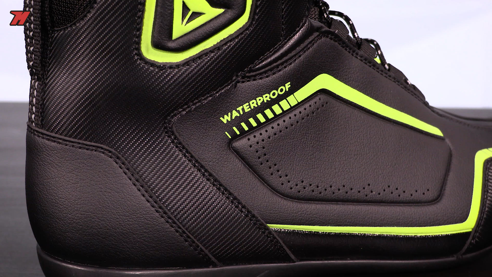 83eed76321f Review  Dainese Raptors