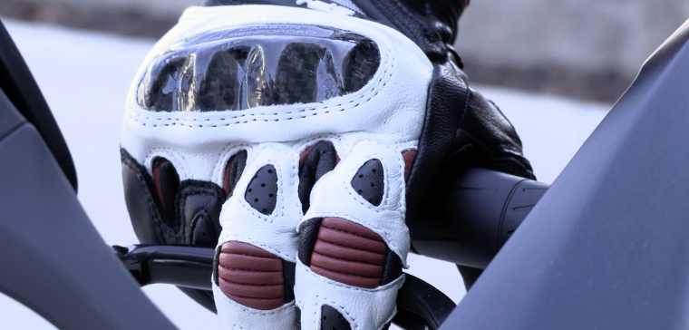 Alpinestars SP-1, the motorcycle gloves with the best value for money?