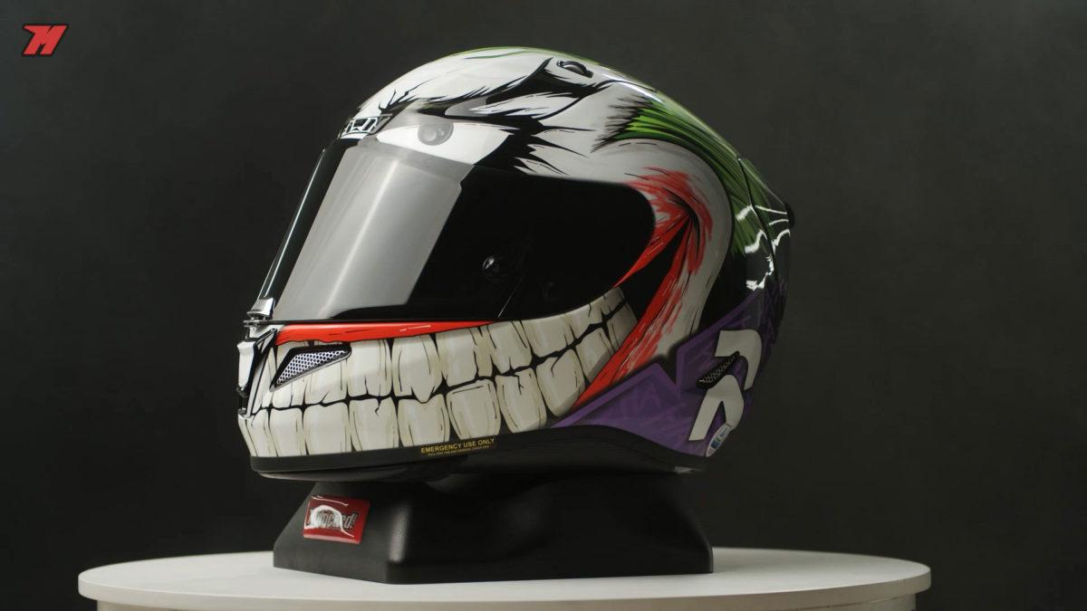 El casco HJC RPHA 11 tiene unas gráficas muy originales como esta de El Joker