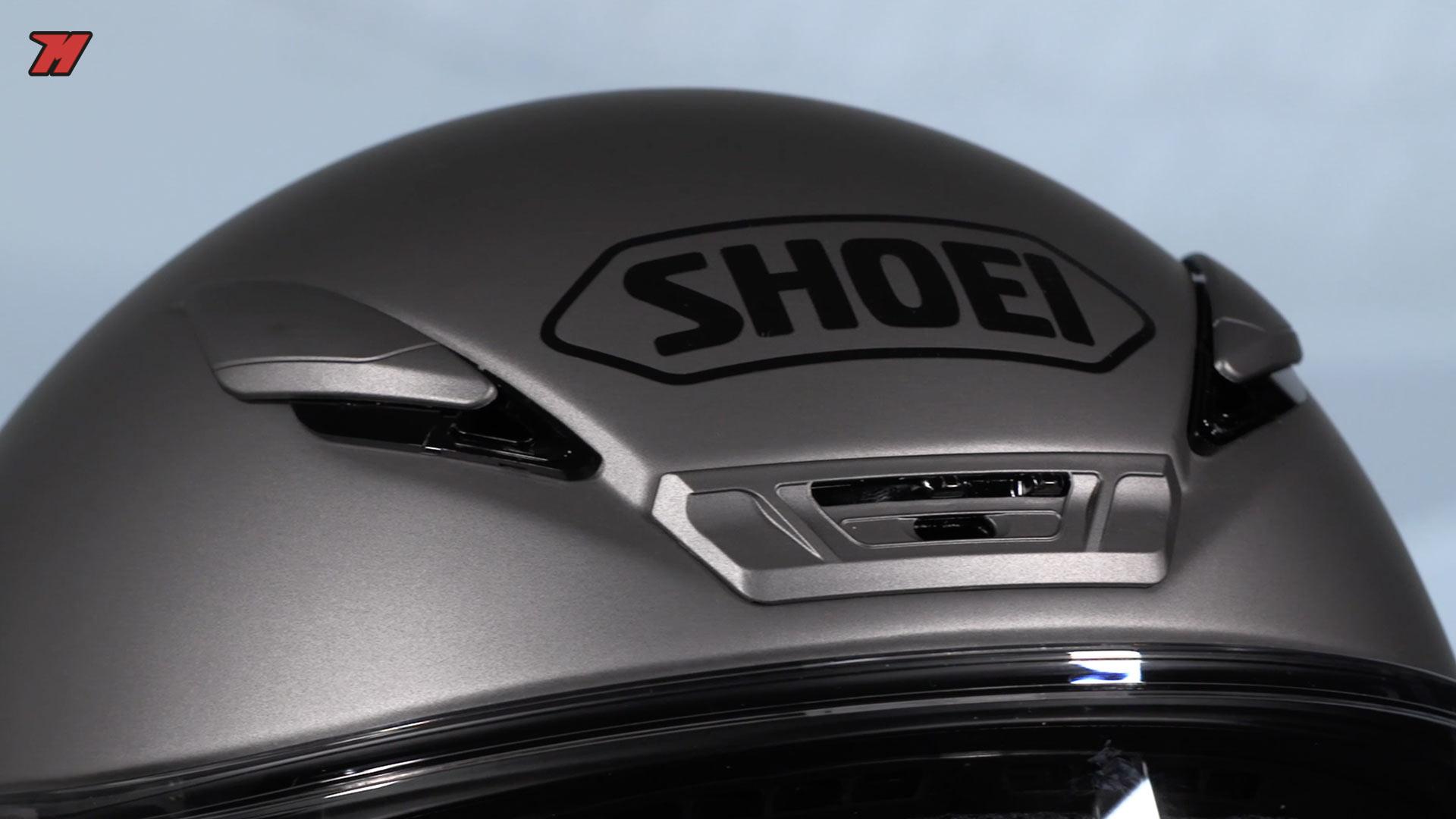 les 5 meilleurs casques pour une moto roadster motocard. Black Bedroom Furniture Sets. Home Design Ideas