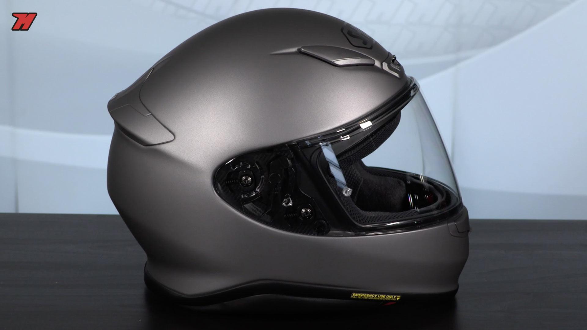 Les 5 meilleurs casques pour une moto Roadster