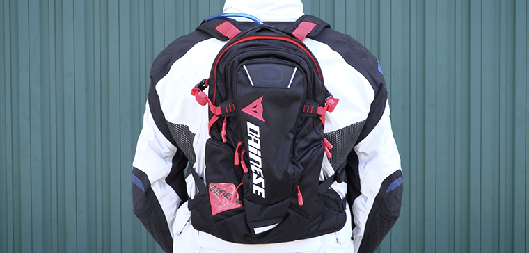 Dainese D-Dakar, the best camelbak for bikers