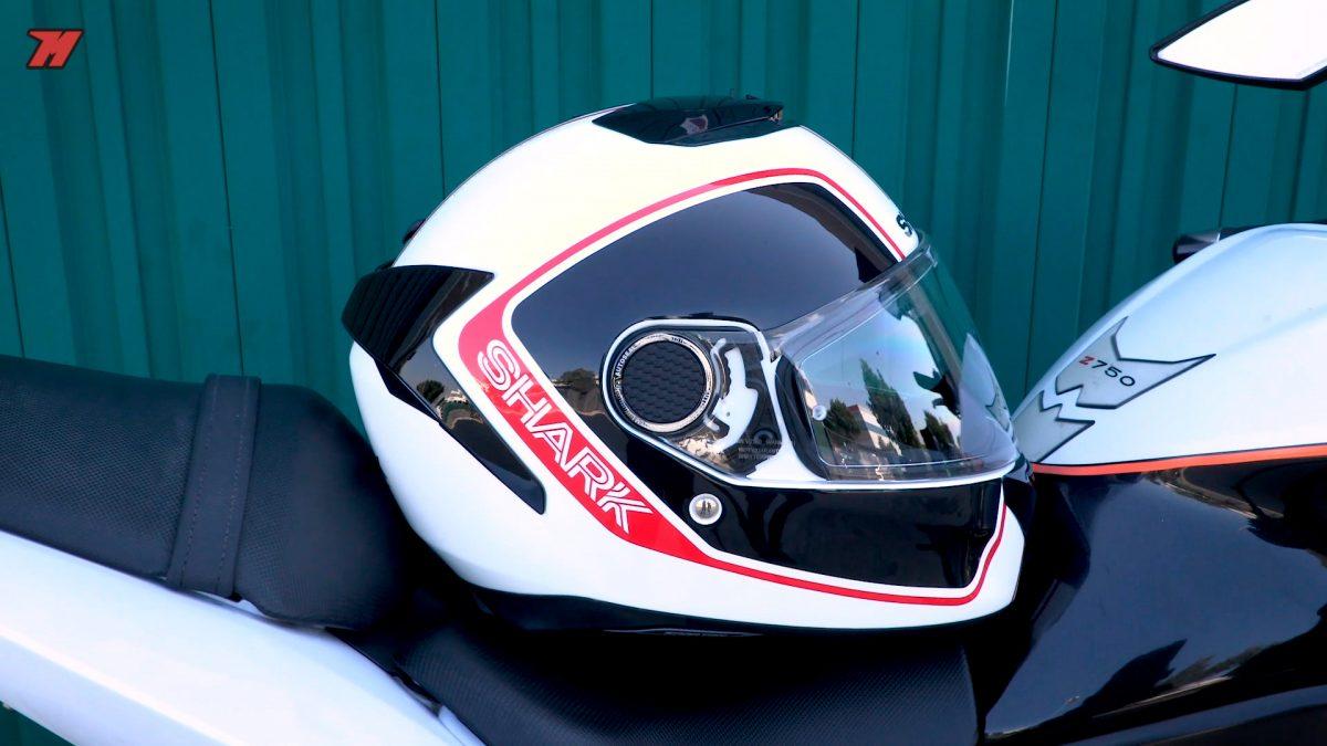 Este casco de moto integral es una excelente opción en la gama media.