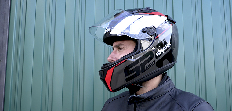 Shark Speed-R SE, sport-touring helmet for all pockets