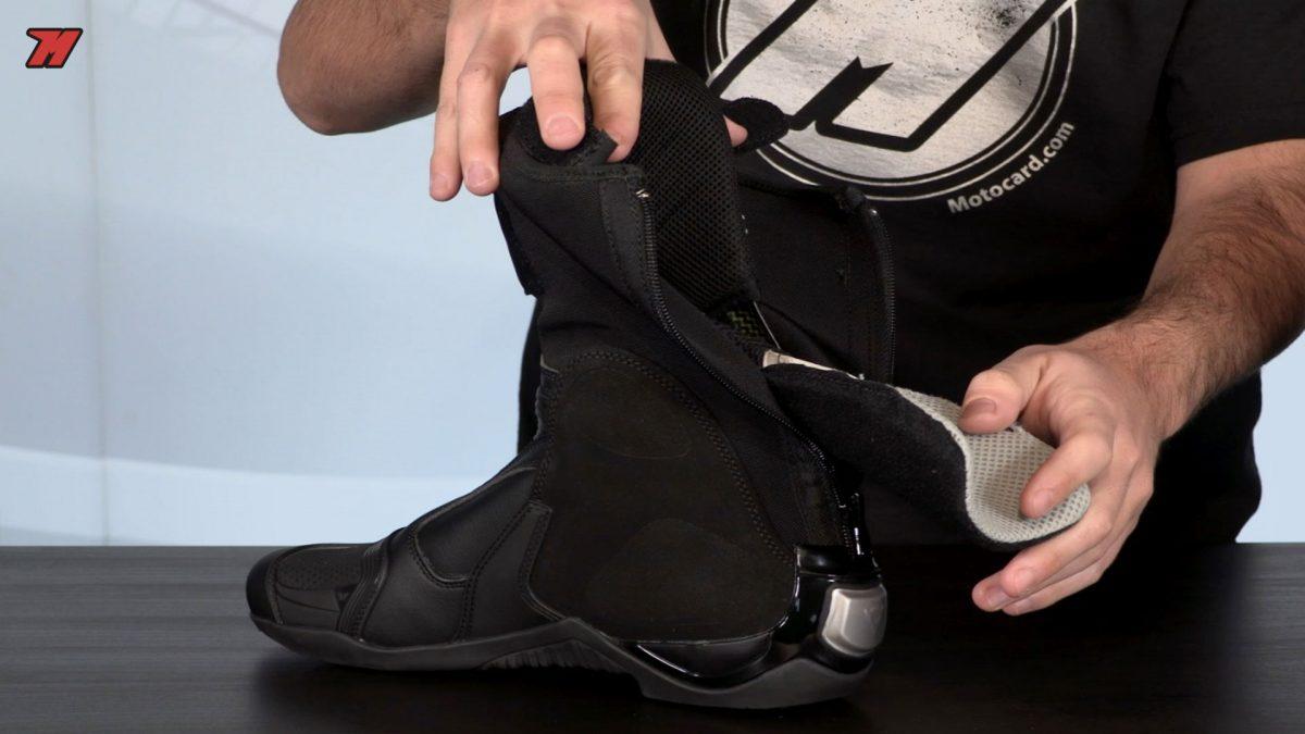 Las botas Dainese Axial D1 incorporan mucha tecnología