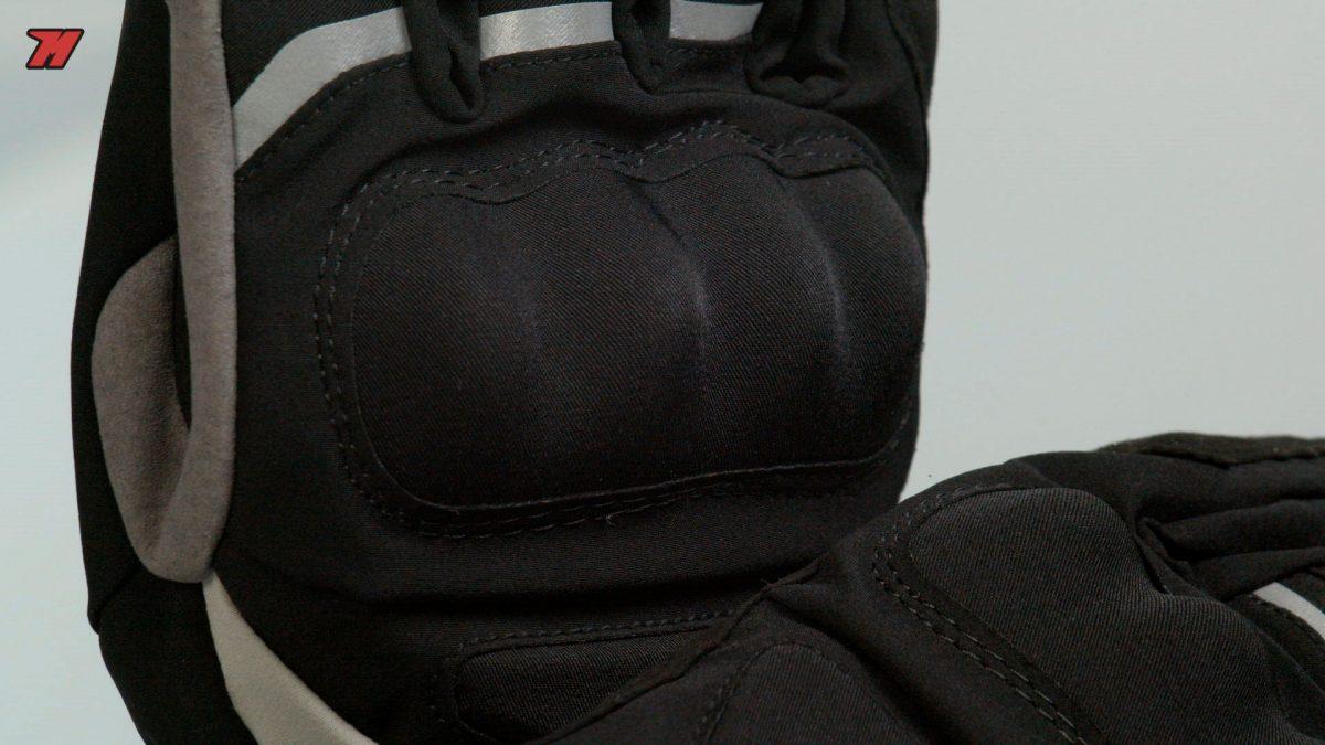Los guantes Spidi son más discretos que otras opciones.