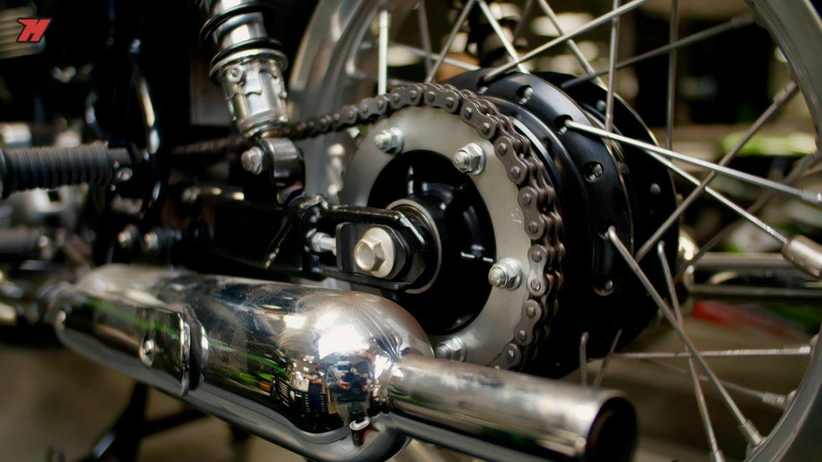 La cadena de la moto es una de las partes más importantes.