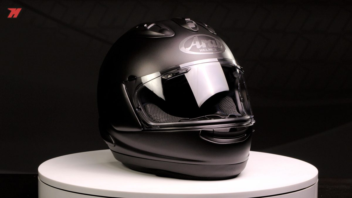 El Arai RX-7V es el casco más racing de la marca.