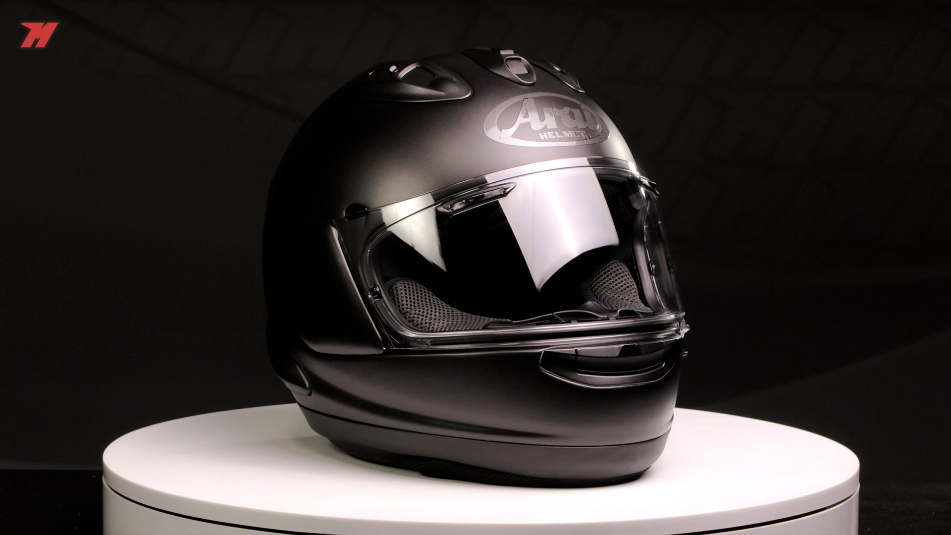102a899803a4d Here is the Arai RX-7V, the best Arai motorcycle helmet of the range. The  most sporty, worn by all pilots Arai.
