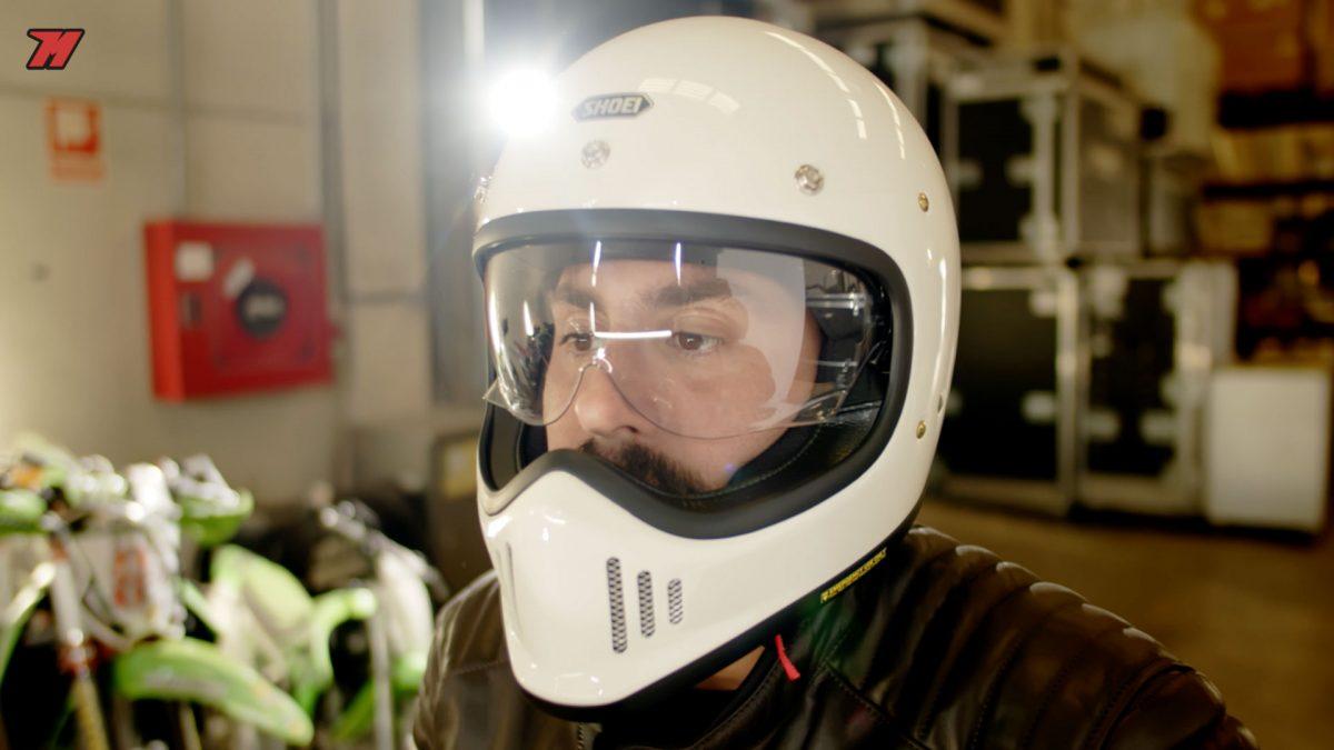 El Shoei Ex Zero es un casco ideal para una moto Scrambler.