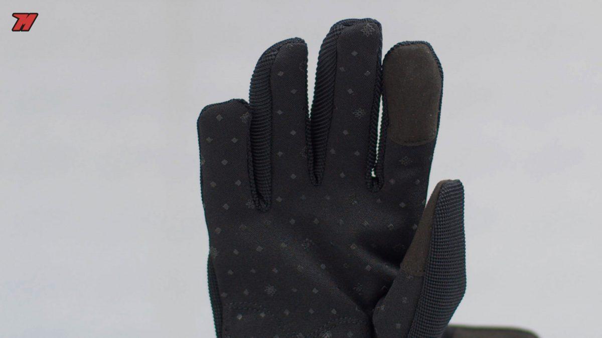 Estos guantes tienen una membrana impermeable.
