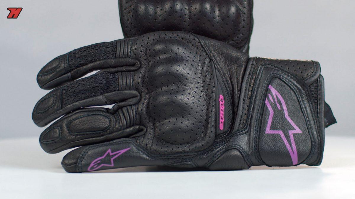 Hacemos un repaso de los guantes de moto para chica.