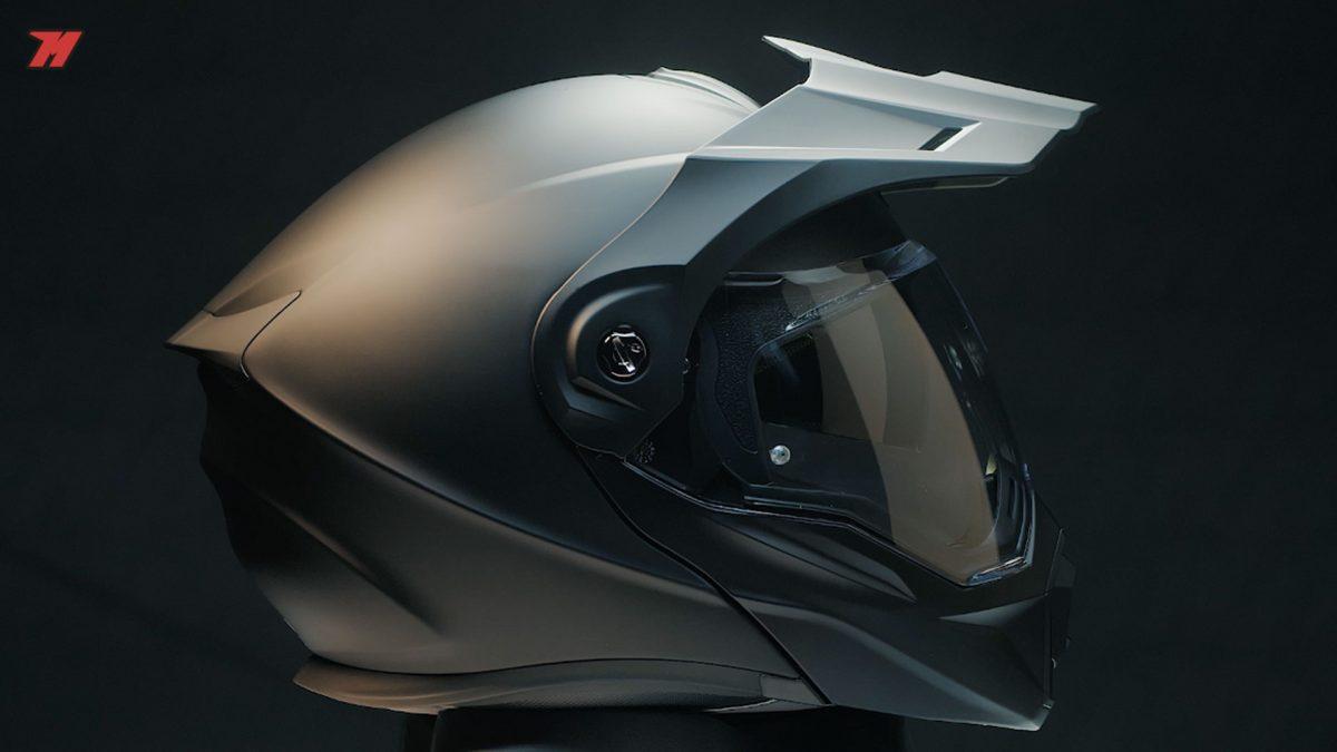 El Scorpion ADX-1 es un casco modular y advcenture de resina termoplástica.