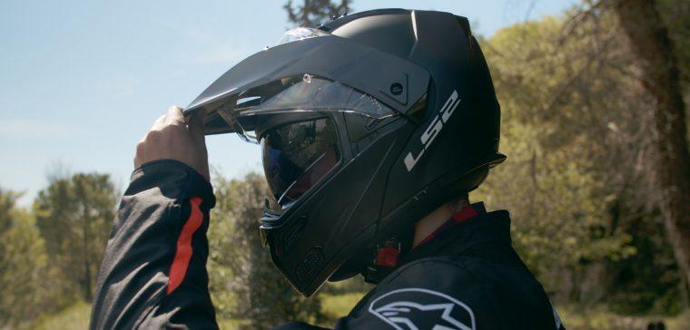 Análisis de un casco modular y trail.