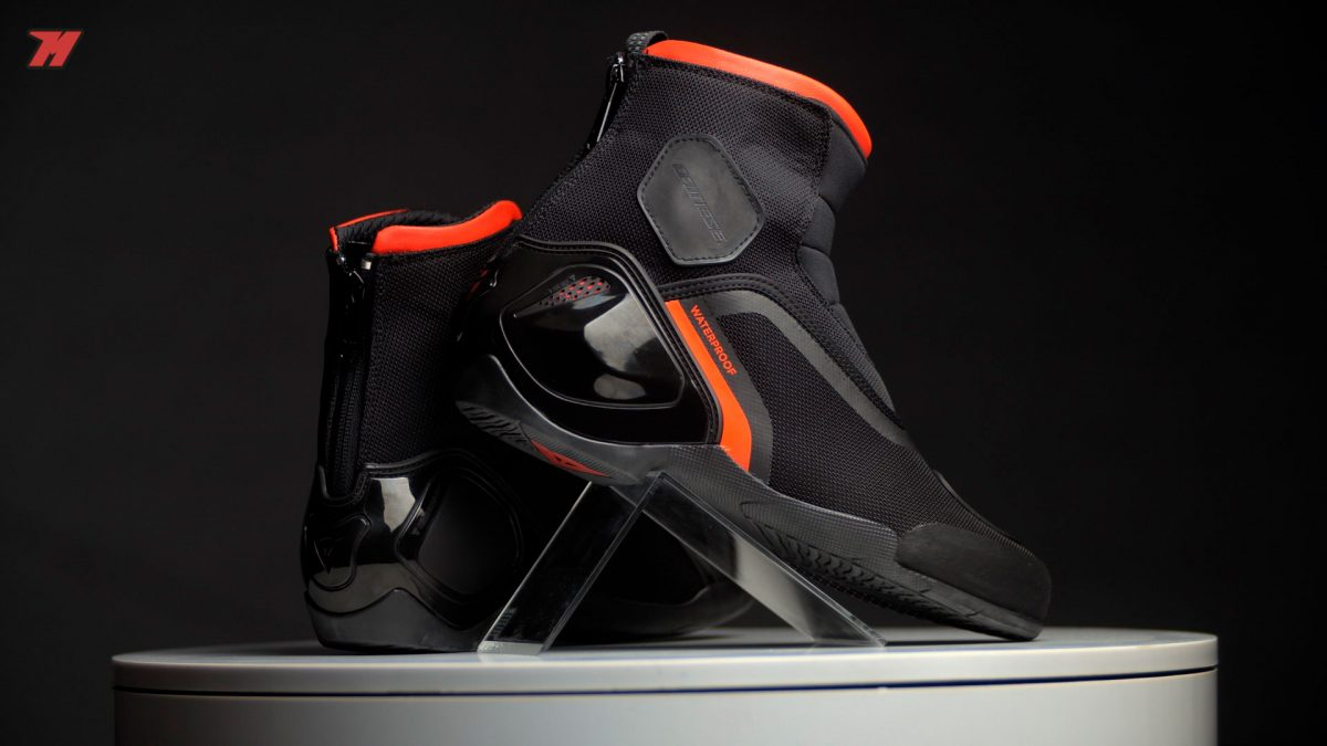 Puedes ir a la oficina con estas botas de moto.