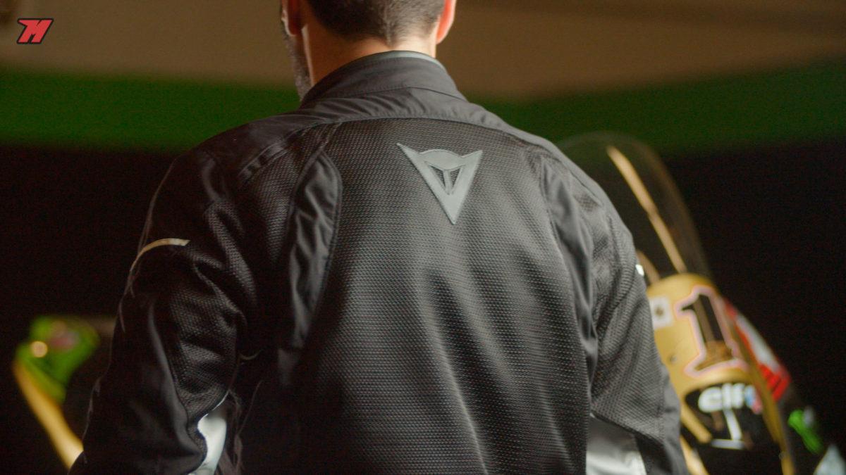 Los detalles de esta chaqueta están muy cuidados.