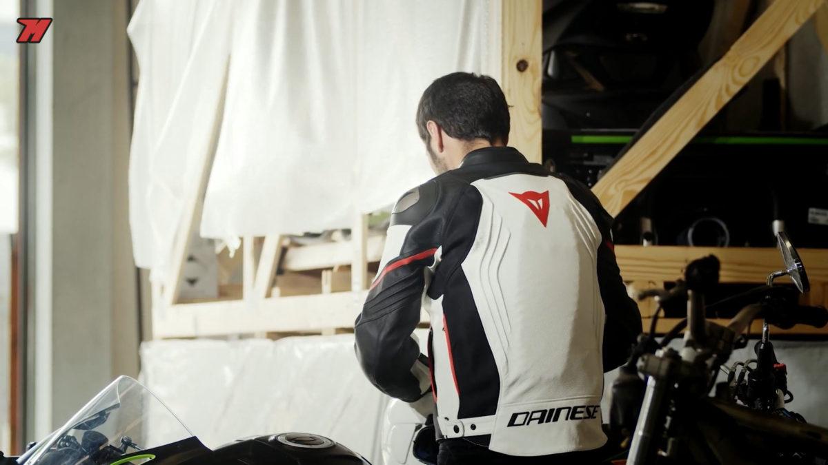 La chaqueta Dainese Racing 3 Estiva es una gran opción si quieres una chaqueta para verano