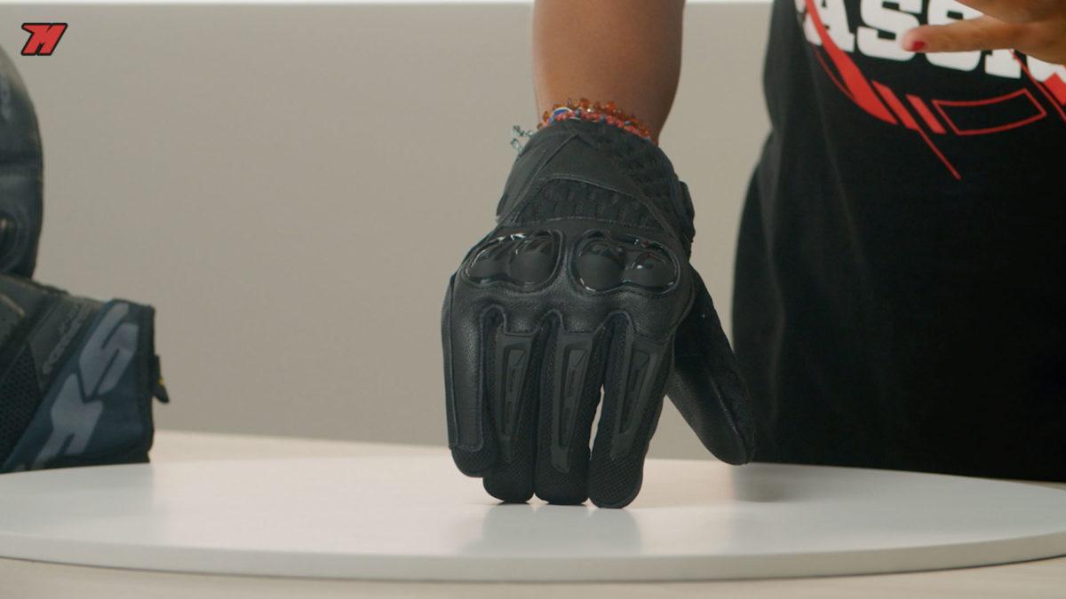 Así son los guantes Dainese Air Hero, ideales para el verano.