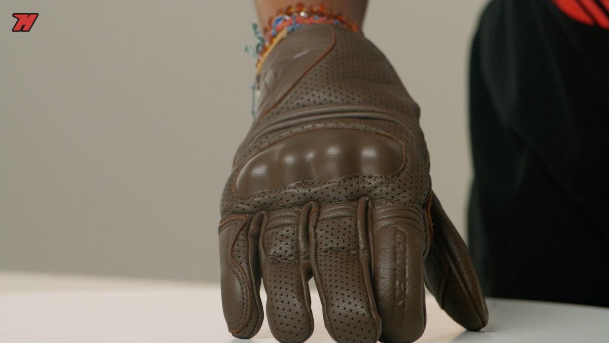 Los Dainese Corbin Air son unos guantes ideales para los usuarios custom.