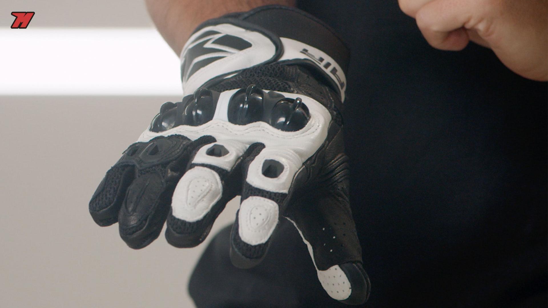 Los guantes Alpinestars Sp Air tienen un corte muy deportivo.