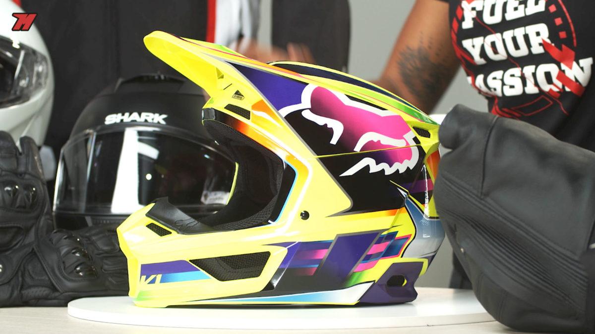 El casco de moto Fox V1 2020 tiene una buena relación calidad-precio