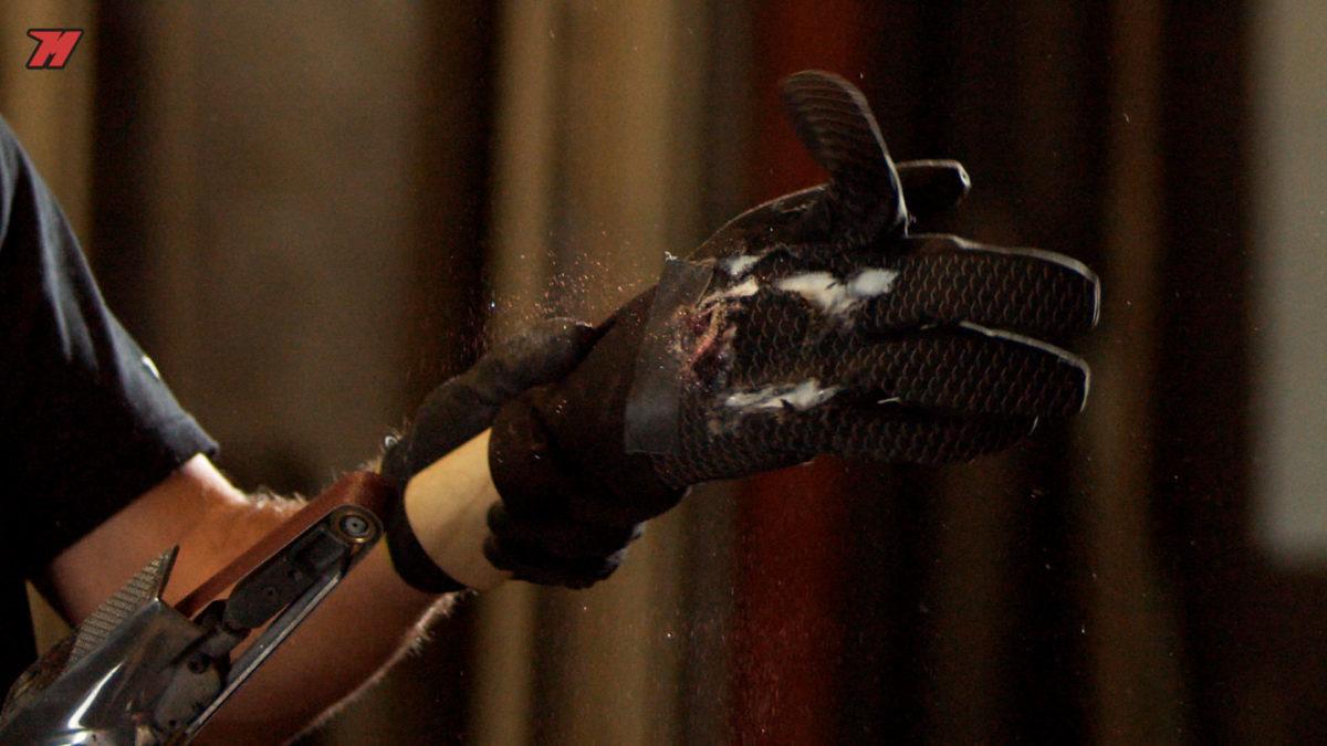 ¿Cuál es la resistencia a la abrasión de un guante que no es de moto?