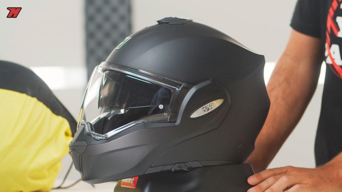 Casco de moto modular, jet o integral: estas son las opciones por si tienes una moto scooter.