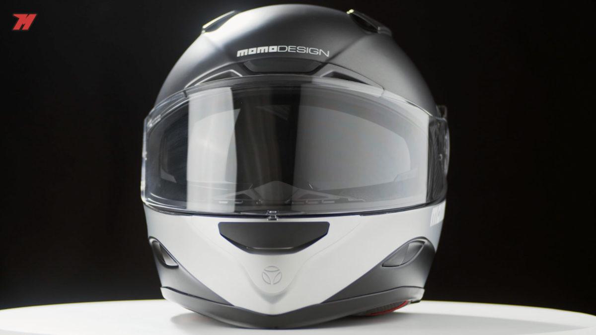 Este casco sport-touring Momo Design Hornet es ideal para las rutas fuera de ciudad.