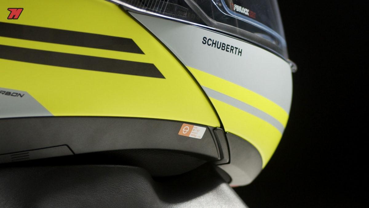 El casco de moto Schuberth C4 Pro Carbon es un casco de moto modular.