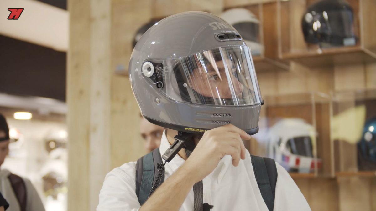 Así luce en nuevo casco de moto retro de Shoei.