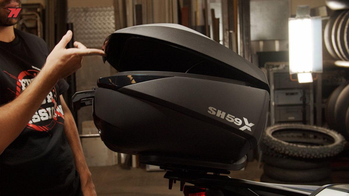 El baúl de moto extensible de Shad tiene 3 capacidades.