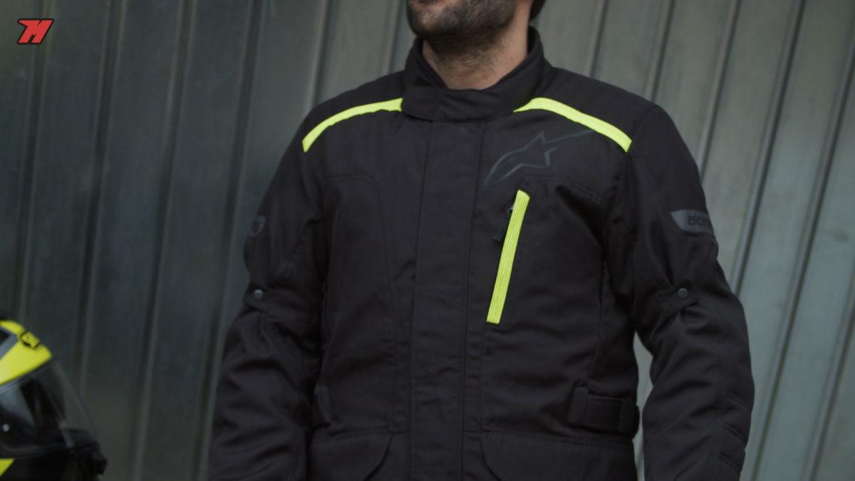 Esta chaqueta de moto Alpinestars para hombre es ideal para viajar