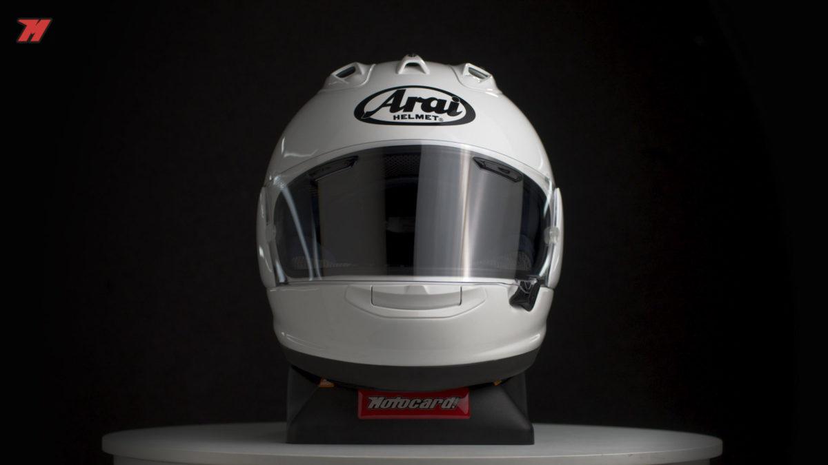 Como todos los cascos Arai, también tiene el diseño R75 Shape