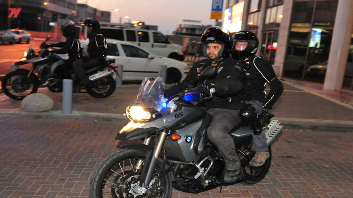 ¿Podemos llevar a un acompañante en nuestra moto?