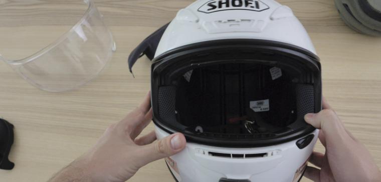 Te explicamos cómo desinfectar el casco de moto después del Coronavirus