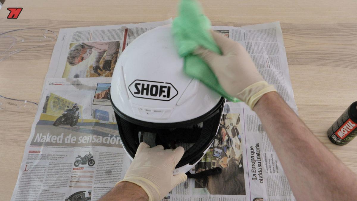 Es importante tener un cuidado periódico del casco de moto