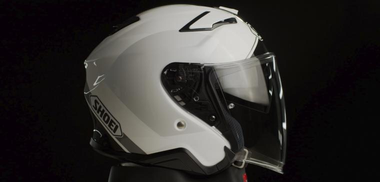 Análisis en vídeo del nuevo casco de moto jet de Shoei. ¿Vale la pena?