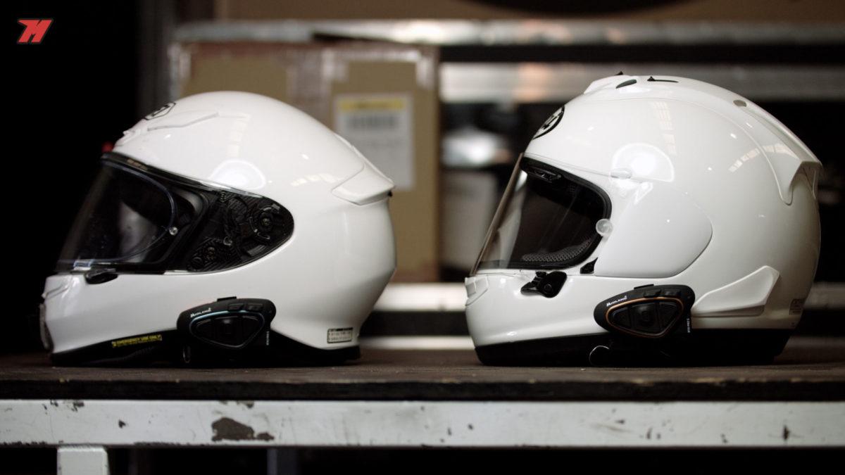 Los dos intercoms de moto quedan muy bien integrados