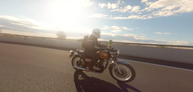 Te explicamos en este vídeo cómo conducir una moto de manera más segura