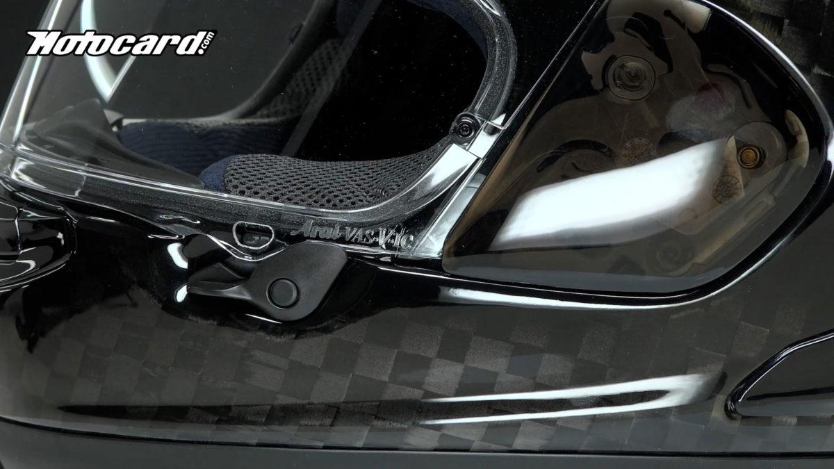 Solo se fabrican 300 unidades anuales de este casco de moto Arai