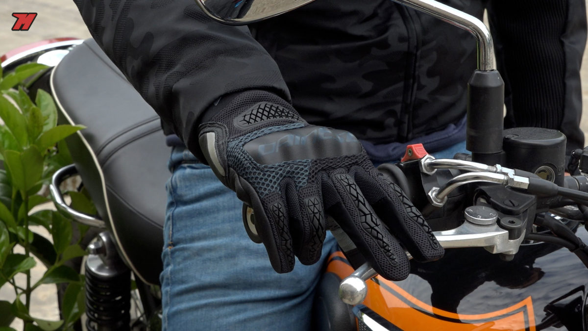 Los guantes Dainese D-Explorer 2 son muy cómodos y perfectos para entretiempo